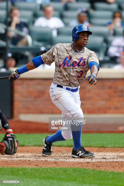 Curtis Granderson of the New York Mets in action against the San Francisco Giants at Citi Field on August 4 2014 in the Flushing neighborhood of the...