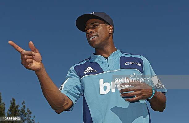 Curtis Granderson of the New York Yankees wears an Auckland Blues rugby jersey after meeting with the team at their Unitec training facility on...