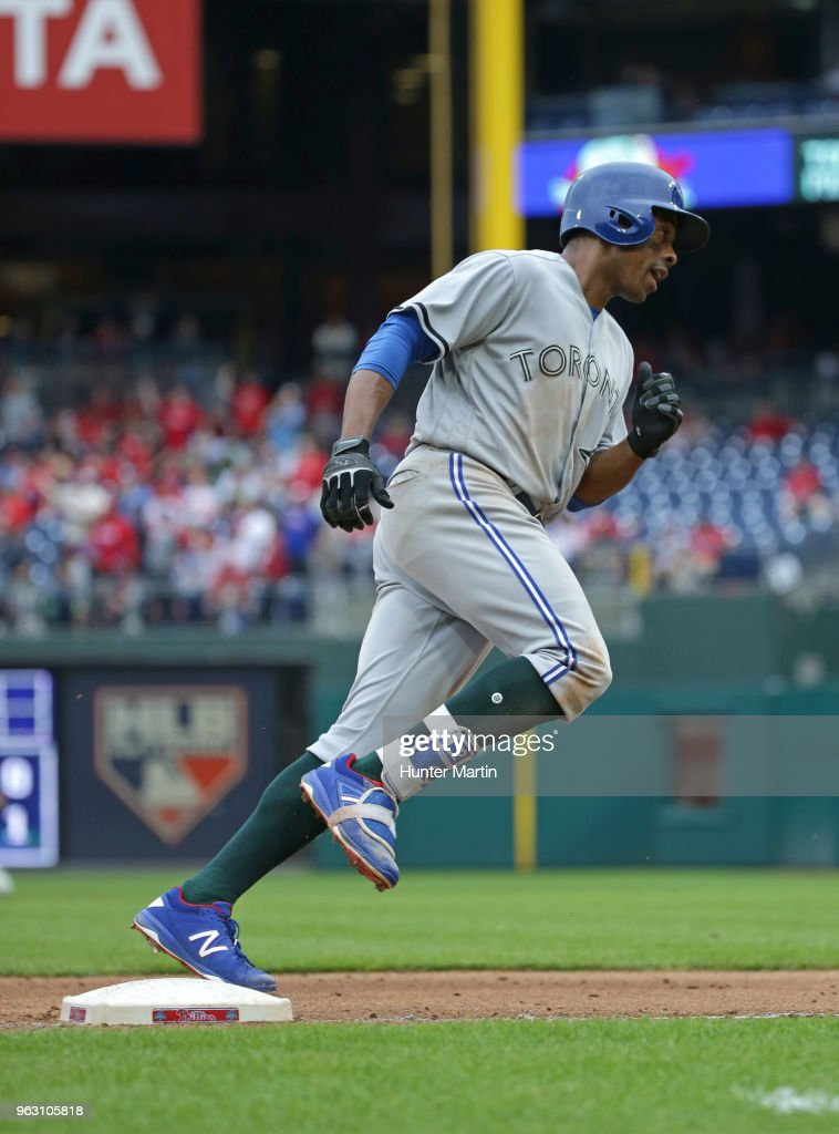 Curtis Granderson #18 of the Toronto Blue Jays rounds third base after hitting a solo home run in the ninth inning during a game against the Philadelphia Phillies at Citizens Bank Park on May 27, 2018 in Philadelphia, Pennsylvania. The Blue Jays won 5-3.