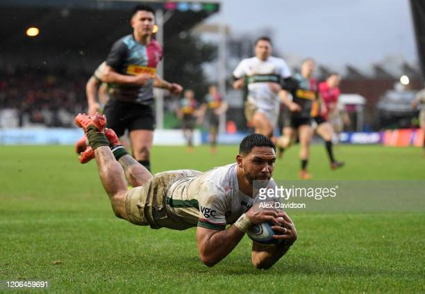 Curtis Rona of London Irish collects a charge down to score his sides third try during the Gallagher Premiership Rugby match between Harlequins and...