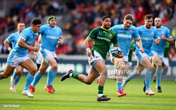 Curtis Rona of London Irish makes a break during the Gallagher Premiership Rugby match between London Irish and Gloucester Rugby at Brentford...