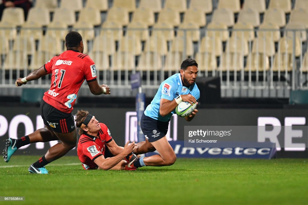Curtis Rona of the Waratahs dives over to score a try during the round 12 Super Rugby match between the Crusaders and the Waratahs at AMI Stadium on May 12, 2018 in Christchurch, New Zealand.