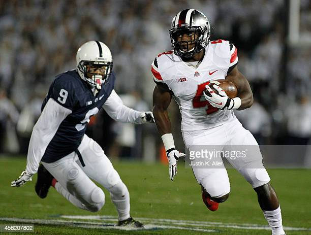 Curtis Samuel of the Ohio State Buckeyes rushes during the game against the Penn State Nittany Lions on October 25 2014 at Beaver Stadium in State...