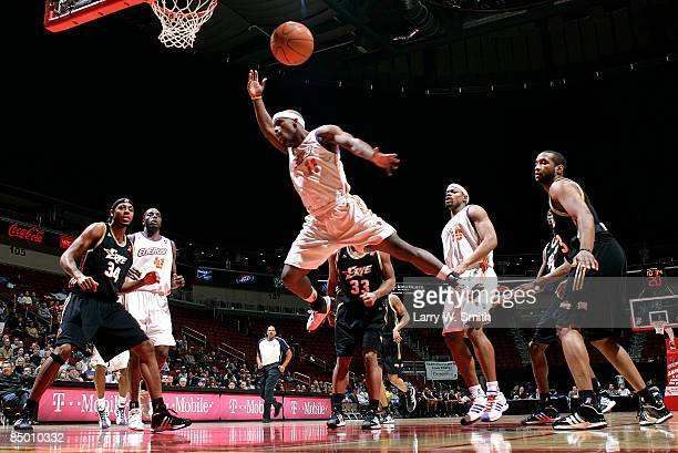 Curtis Stinson of the Iowa Energy looses the ball while going for a basket against the Erie Bayhawks on February 23 2009 at Wells Fargo Arena in Des...