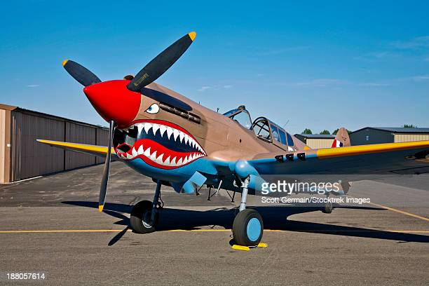 curtiss p-40e warhawk on display at the warhawk air museum, nampa, idaho. - curtis p40b warhawk stock pictures, royalty-free photos & images