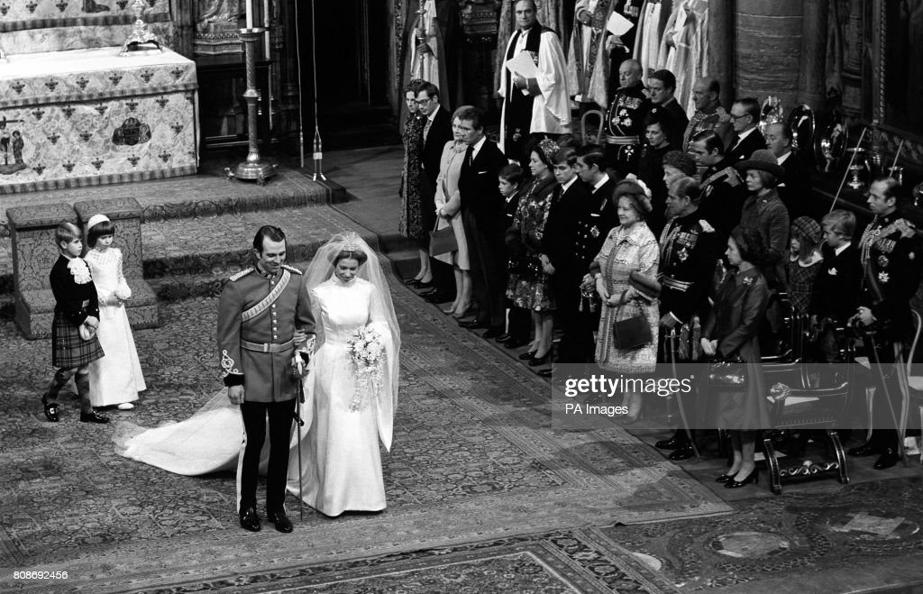 Royalty - Princess Anne and Captain Mark Phillips Wedding - London : News Photo