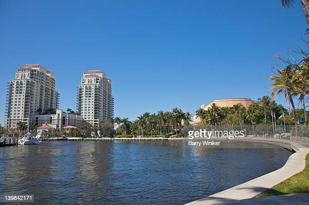 curve in new river near condominium residences and broward center for the performing arts, ft. lauderdale, fl, usa - performing arts center stock pictures, royalty-free photos & images