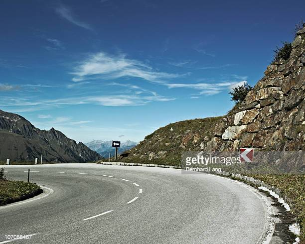 Curve of mountain pass