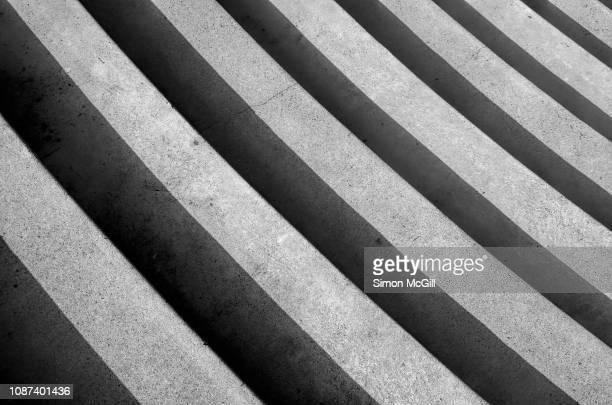 curved concrete steps - 円形劇場 ストックフォトと画像