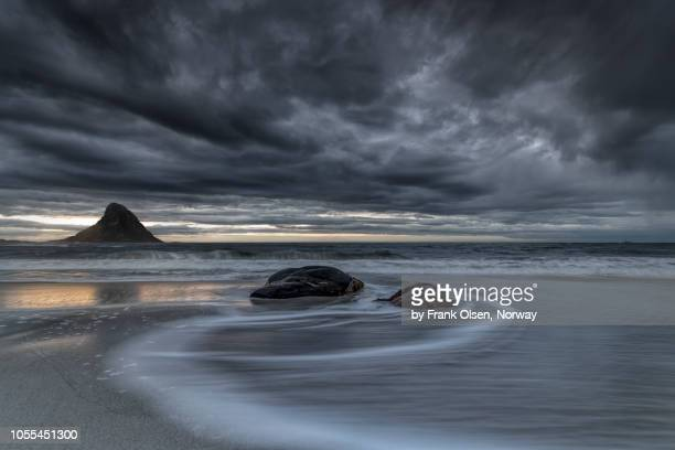 curves at the beach - seascape stock pictures, royalty-free photos & images