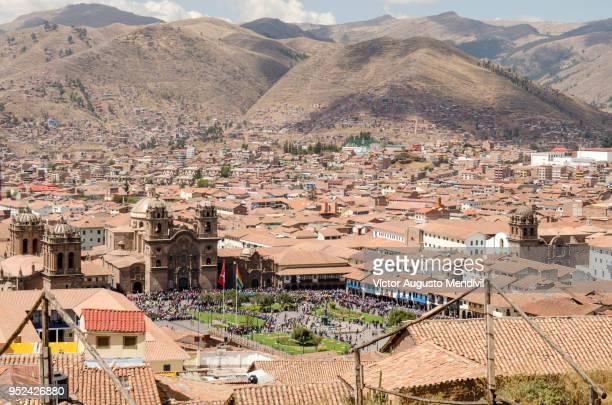 cusco's main square - bezirk cuzco stock-fotos und bilder