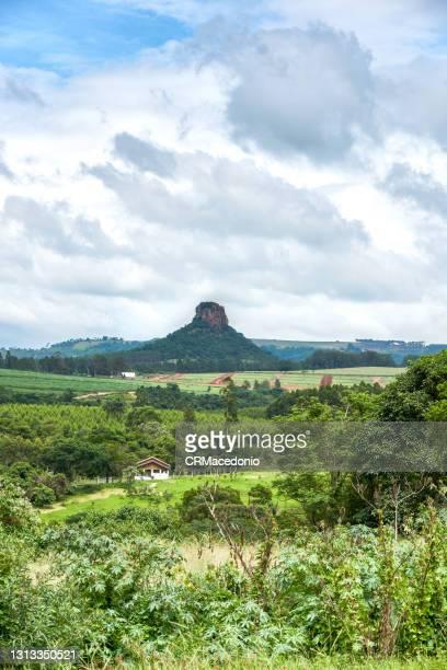cuscuzeiro mountain - crmacedonio ストックフォトと画像