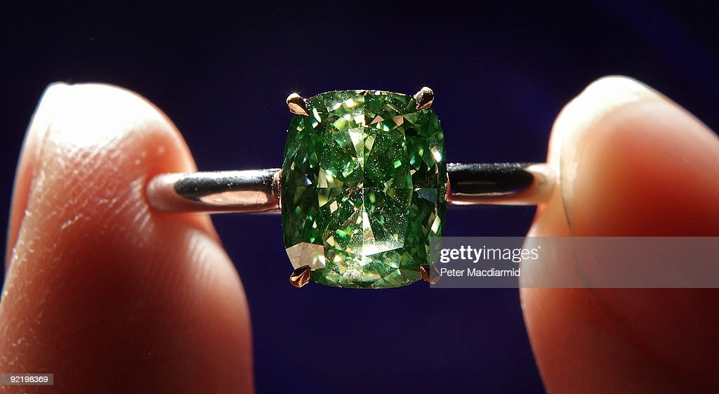 Rare Diamonds And Jewels Are Displayed Ahead Of A Sotheby's Auction : News Photo