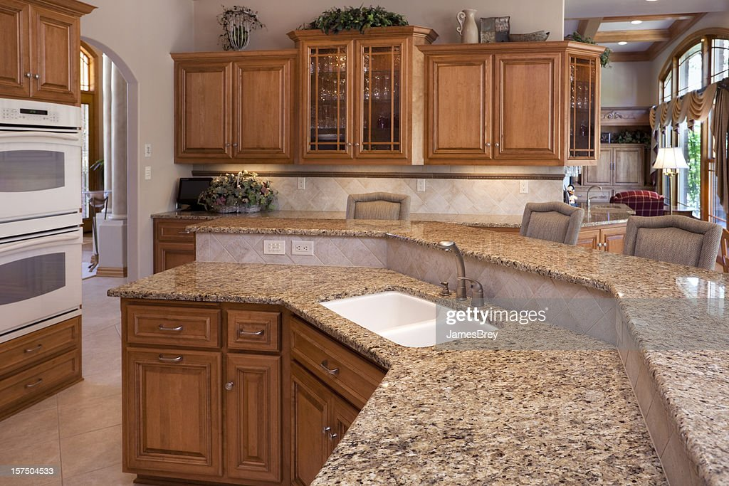 Custom Luxury Eatin Kitchen With Granite Counters Oak Cabinets
