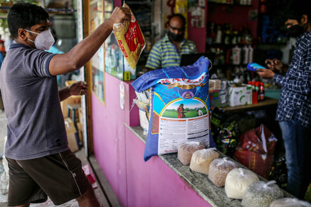 IND: Amazon and Walmart Learning to Live With Indian Kirana Stores, Not Kill Them