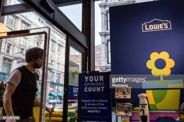 A customer enters a Lowe's Cos store in New York US on Tuesday May 22 2018 Lowe's Cos is scheduled to release earnings figures on May 23 Photographer...