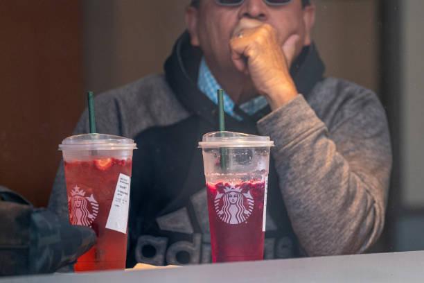 CA: A Starbucks Location Ahead Of Earnings Figures