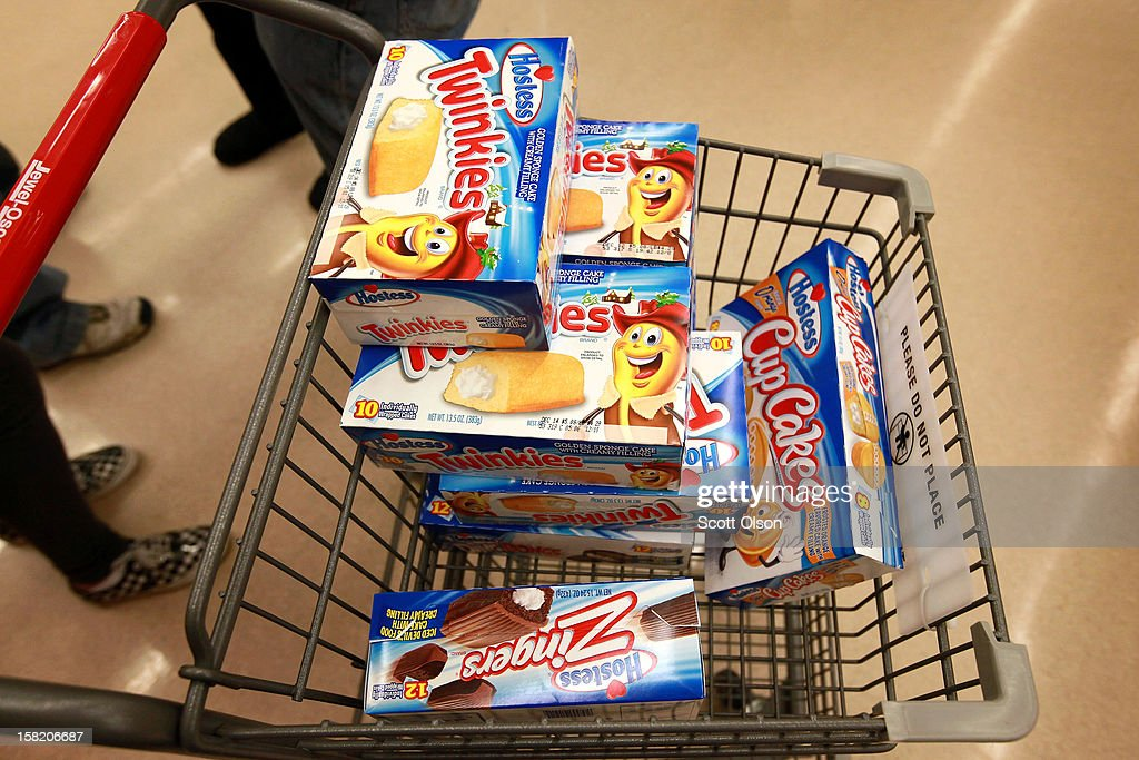 Last Shipment Of Hostess Twinkies Arrives In Chicago Area Stores : News Photo