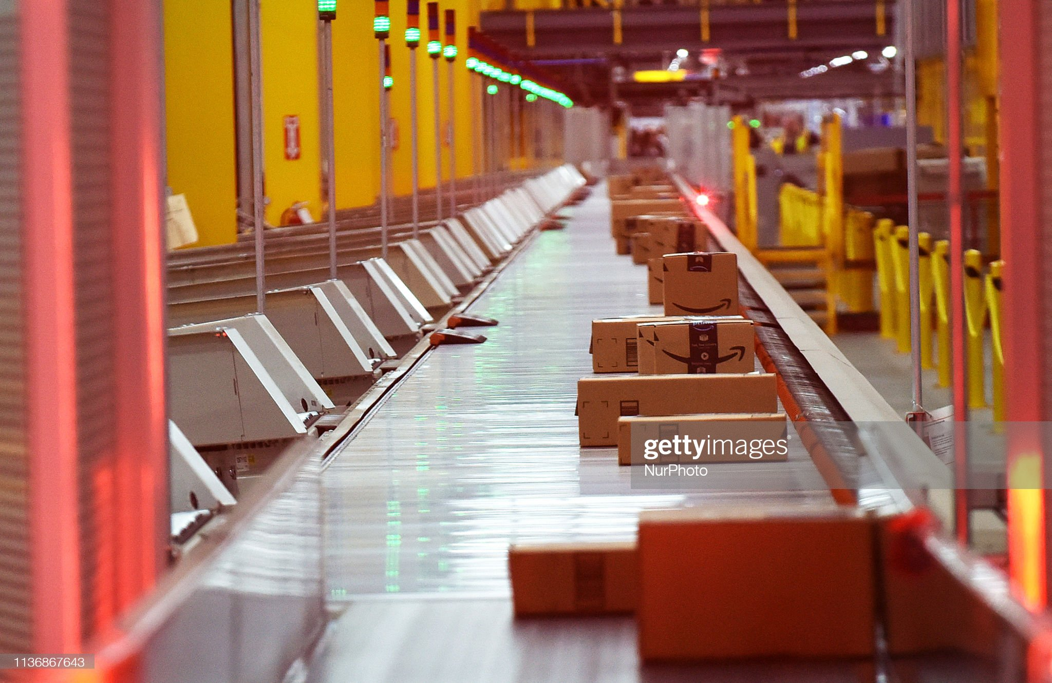 Amazon's Newest Robotics Fulfillment Center Holds Grand Opening In Orlando : News Photo