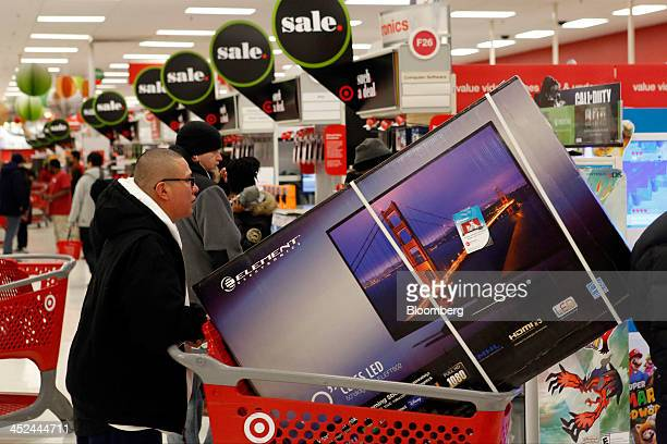 52 Inside A Target Corp Store On Black Friday Pictures