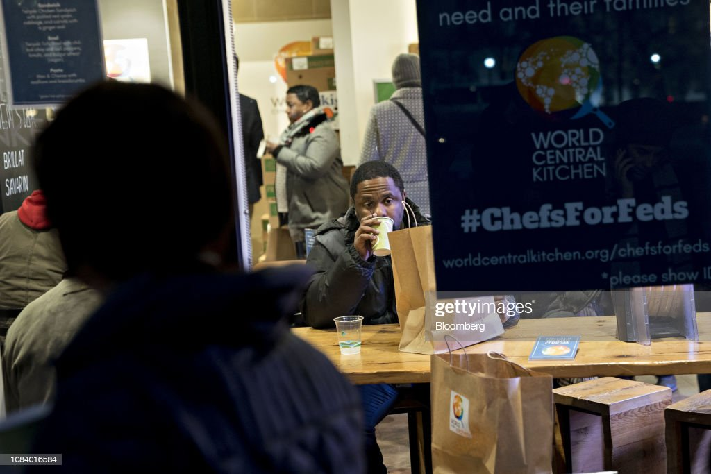 Celebrity Chef Jose Andres Opens Restaurant For Furloughed Government Workers : News Photo