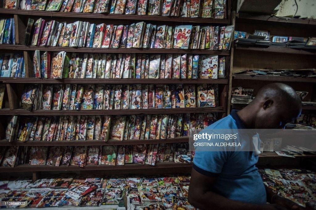 TOPSHOT-NIGERIA-ARTS-CINEMA-CULTURE-NOLLYWOOD : News Photo