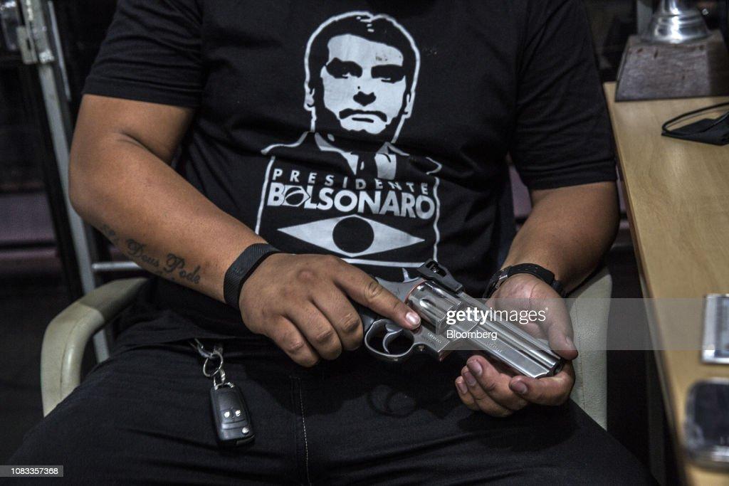 A Gun Shop And Shooting Range As Bolsonaro Loosens Rules On Gun Ownership : News Photo