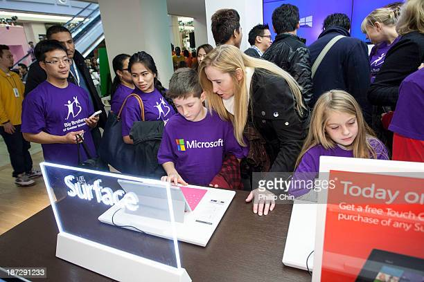 27 Microsoft Store Grand Opening Vancouver Bc Photos And Premium High Res Pictures Getty Images