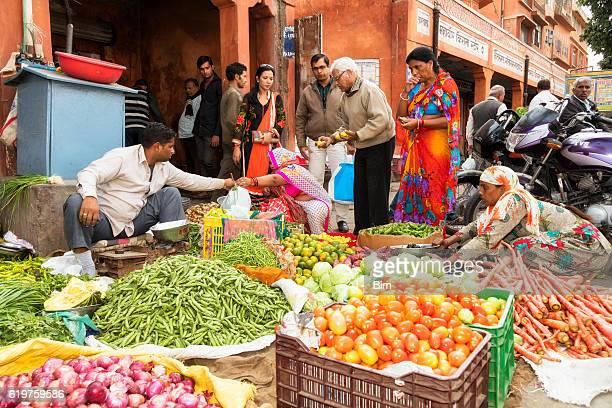 Customers buying vegetables on the street, Jaipur, Rajasthan, India