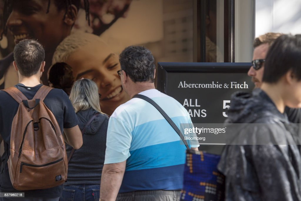 Customers enter an Abercrombie & Fitch Co. store in San Francisco, California, U.S., on Tuesday, Aug. 22, 2017. Abercrombie & Fitch Co. is scheduled to release earnings figures on August 24. Photographer: David Paul Morris/Bloomberg via Getty Images