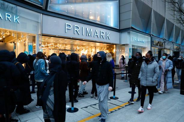 GBR: Non-essential Shops Reopen As Virus Lockdown Eased
