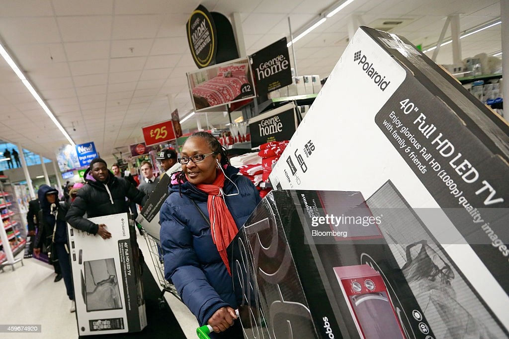 Wal-Mart Stores Inc.'s U.K. Asda Supermarket Entices Shoppers With Black Friday Deals : News Photo