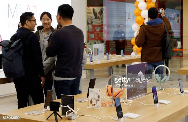 XANADú ARROYOMOLINOS MADRID SPAIN Customers seen at the first Xiaomi store in Spain The company Xiaomi inaugurates its first store in Spain Spain is...