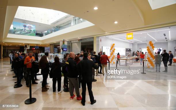 XANADú ARROYOMOLINOS MADRID SPAIN Customers seen queuing to enter the first Xiaomi store being opening in Spain The company Xiaomi inaugurates its...