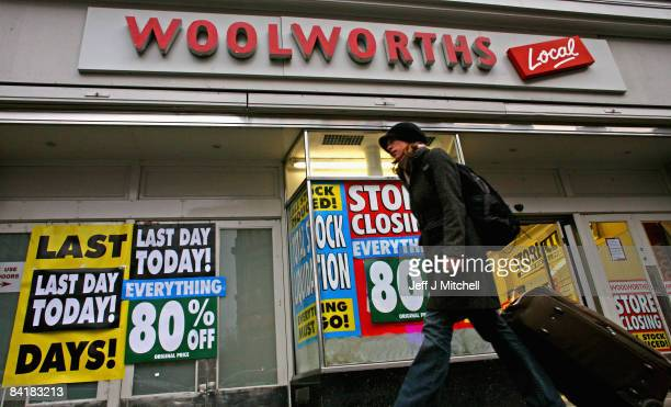 Customers shop at Woolworths as stores prepare to close across the country on January 6 2009 in Glasgow Scotland People have been looking for last...