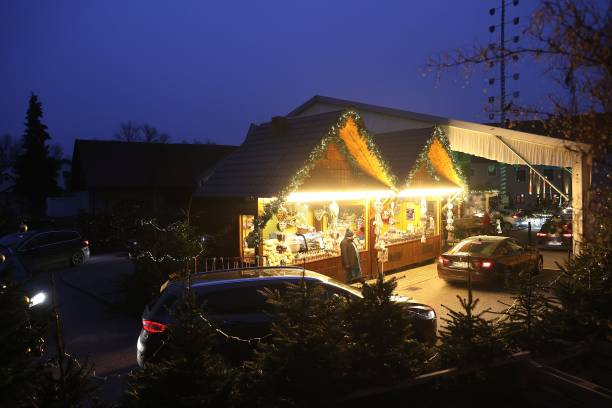 DEU: Drive-In Christmas Market Offers Alternative During Pandemic