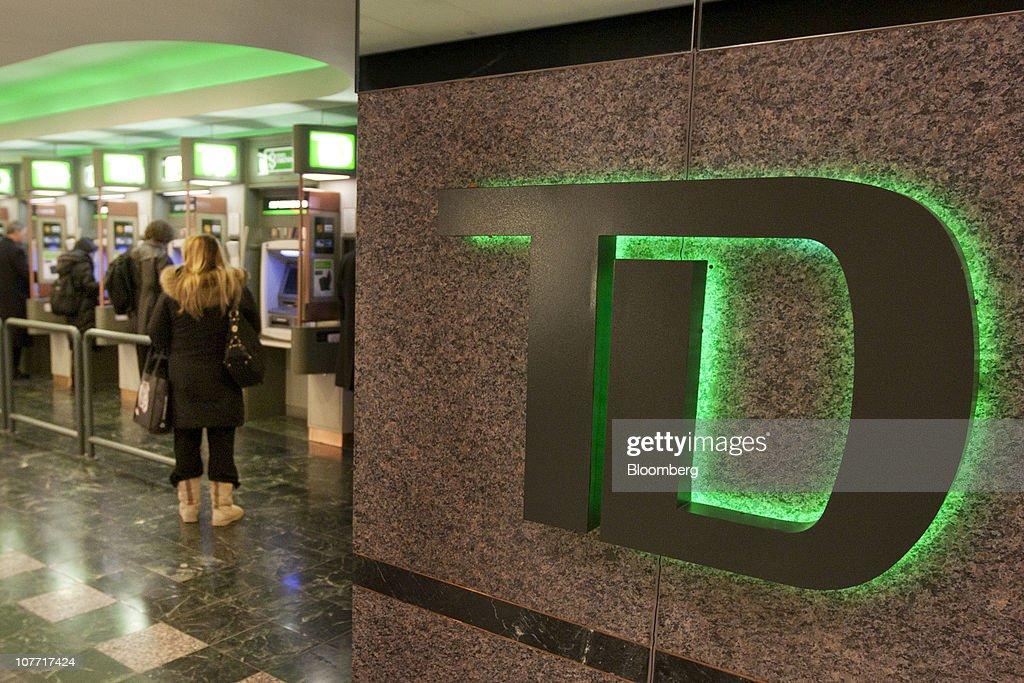 TD Bank To Buy Chrysler Financial For $6.3 Billion : News Photo
