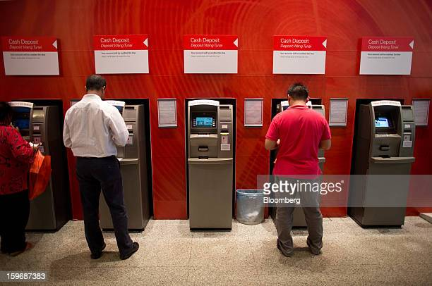 39 Cash Deposit Machine Pictures, Photos & Images - Getty Images