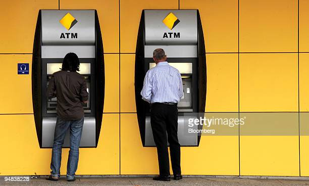 Customers use Commonwealth Bank of Australia automated teller machines in Sydney Australia on Wednesday Dec 17 2008 Commonwealth Bank of Australia...