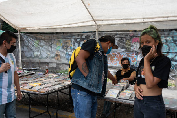 MEX: Shoppers At El Chapo Punk Rock Market As Retail sales in Mexico Expand