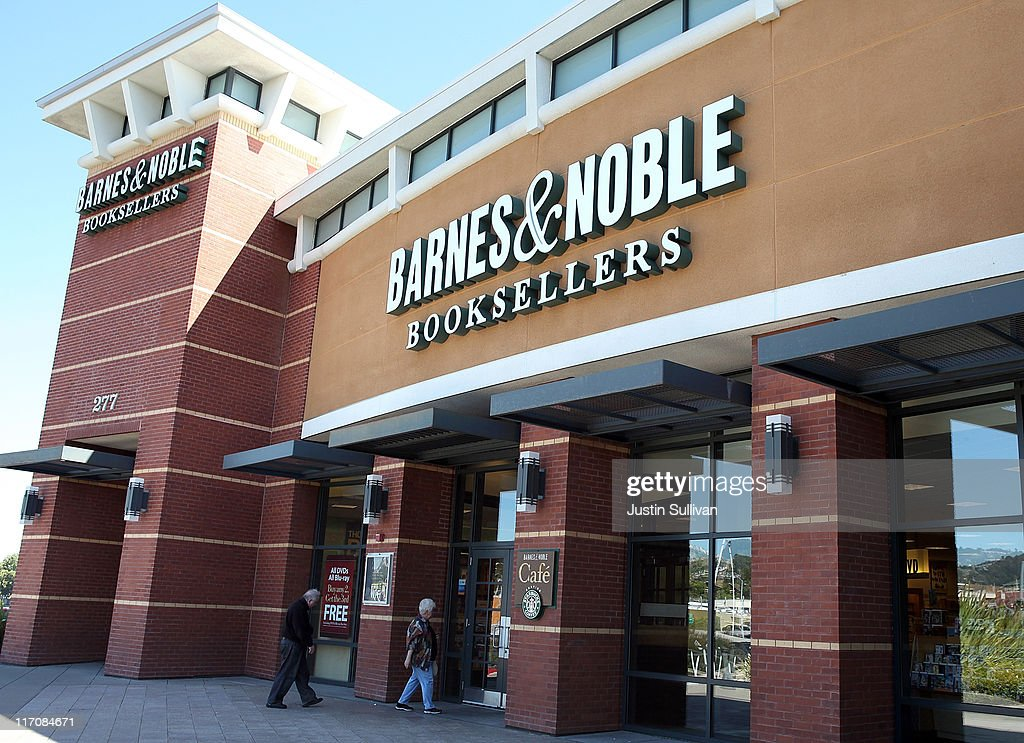 Barnes And Noble Post Nearly 60 Million Dollar Loss : News Photo