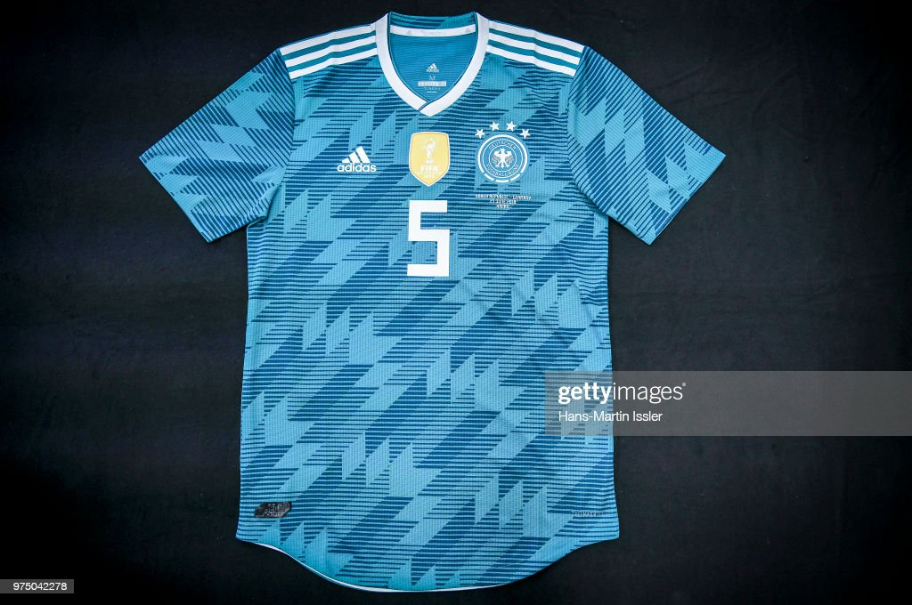san francisco 64574 9e5e0 A customized home jersey of Mats Hummels for the world cup ...