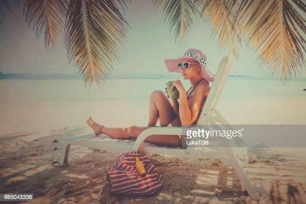 かわいい金髪の女の子の休暇、モルディブ