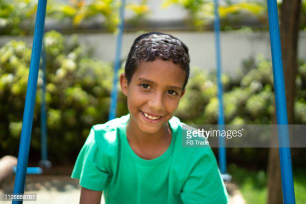 retrato de niño lindo - 10 11 años fotografías e imágenes de stock