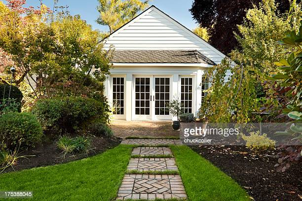 cute cottage home - cottage exterior stock pictures, royalty-free photos & images