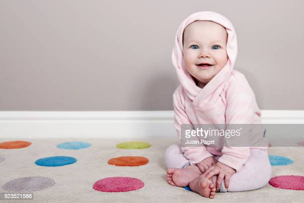 Cute hooded baby girl (6-12 months)