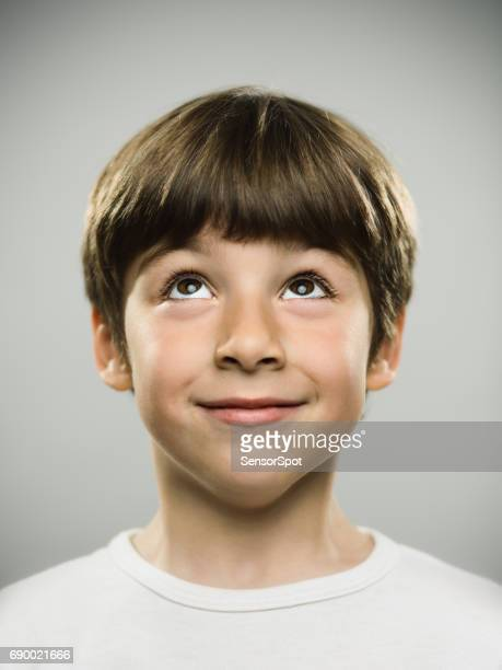 cute little boy looking up - looking up stock pictures, royalty-free photos & images