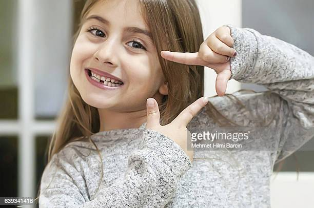 cute little girl looking - 6 7 years photos stock photos and pictures