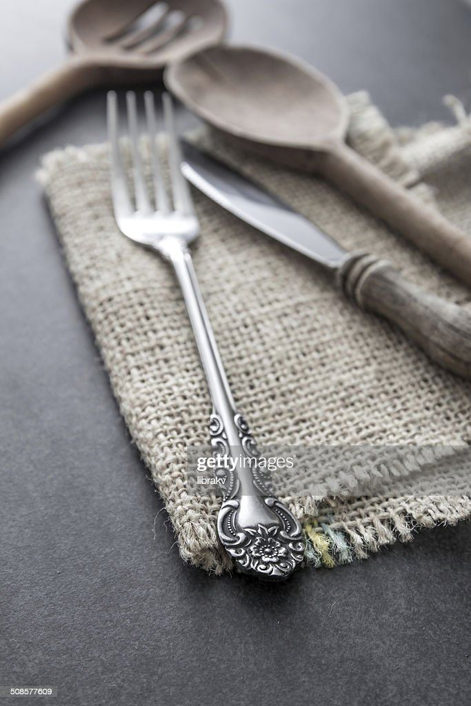 Cutlery strewn across a table. : Stockfoto