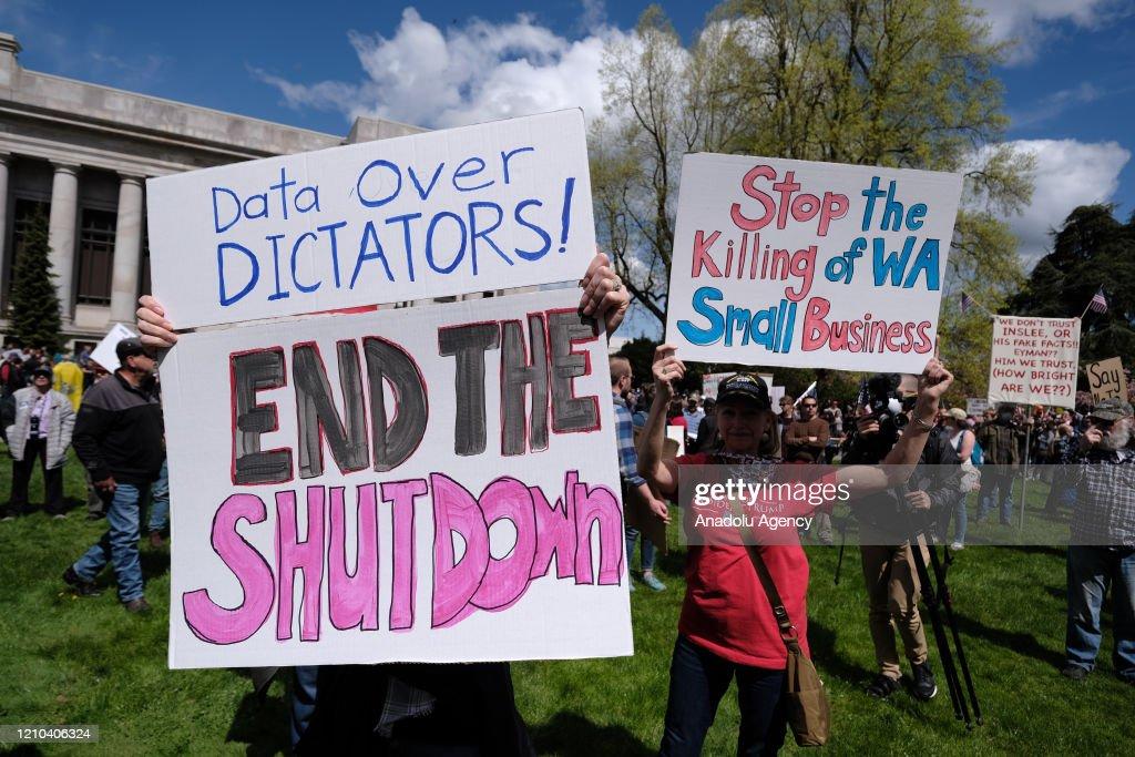 Protest outside Washington State Capitol : ニュース写真